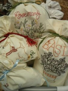 bags embroideried